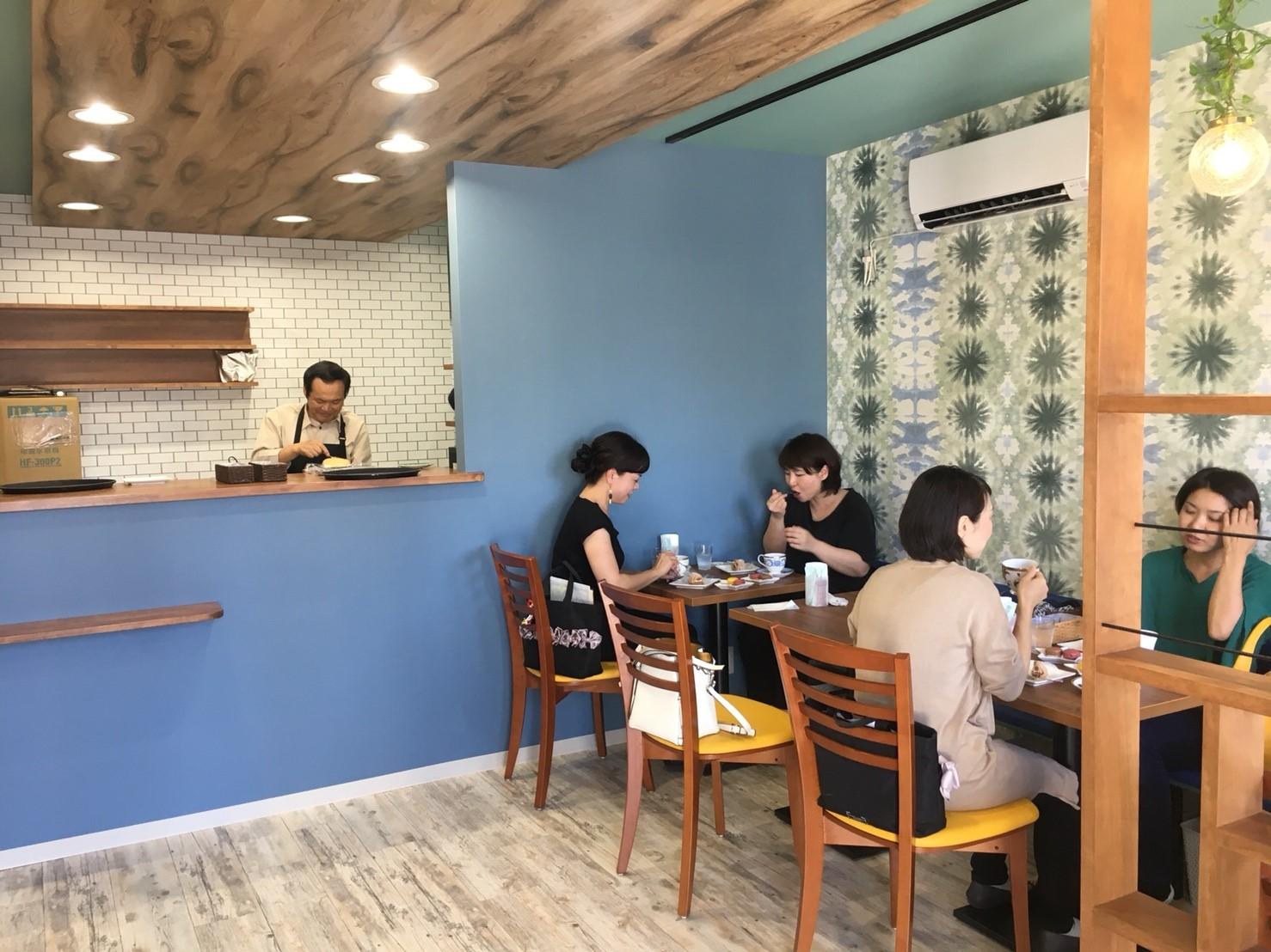 カフェ「cafe CREA」