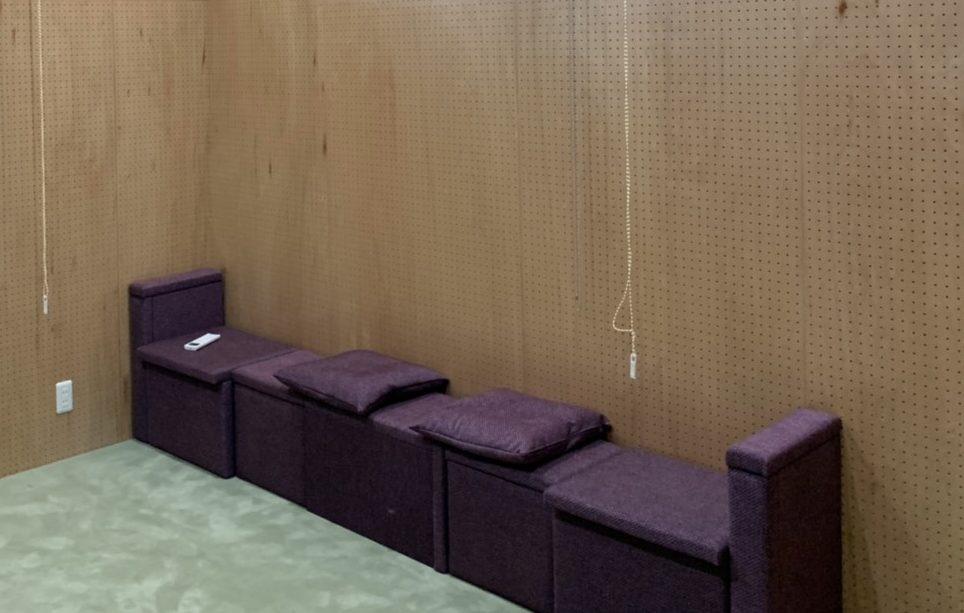 収納兼椅子